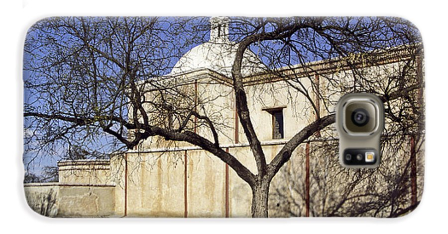 Mission Galaxy S6 Case featuring the photograph Tumacacori With Tree by Kathy McClure