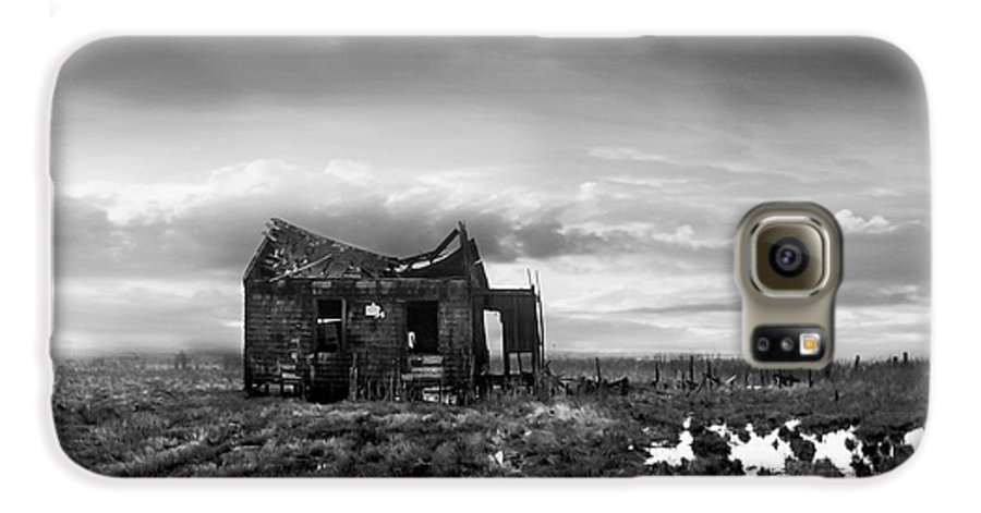 Architecture Galaxy S6 Case featuring the photograph The Shack by Dana DiPasquale