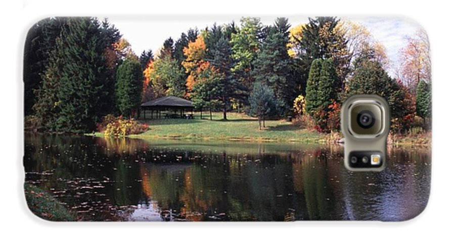Autumn Colors Galaxy S6 Case featuring the photograph 102201-23 by Mike Davis