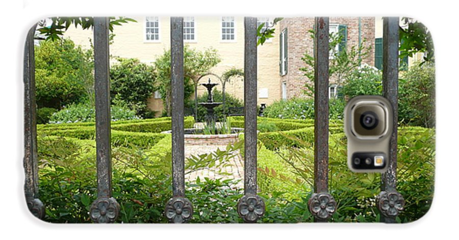 New Orleans Galaxy S6 Case featuring the photograph Beauregard-keyes House by Kathy Schumann