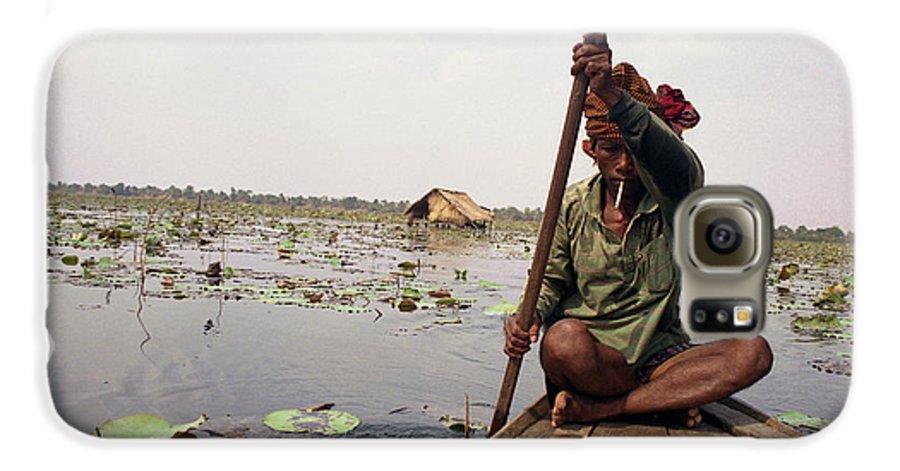 Cambodia Galaxy S6 Case featuring the photograph Boatman - Battambang by Patrick Klauss