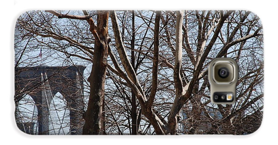 Architecture Galaxy S6 Case featuring the photograph Brooklyn Bridge Thru The Trees by Rob Hans