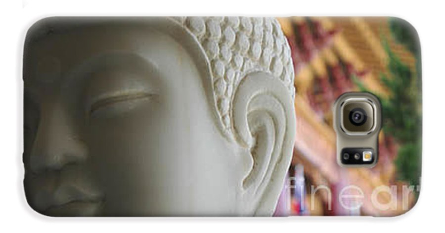 Zen Galaxy S6 Case featuring the photograph Buddha At Hsi Lai Temple by Michael Ziegler