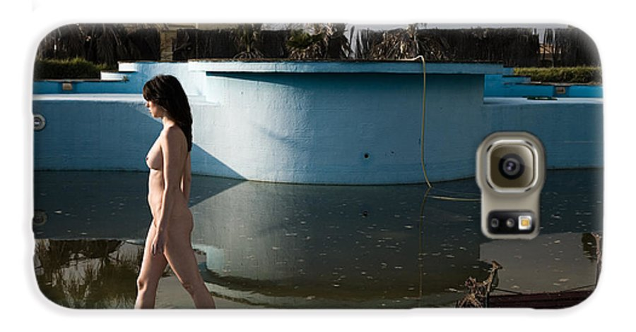 Nudes Galaxy S6 Case featuring the photograph By The Old Pool by Olivier De Rycke