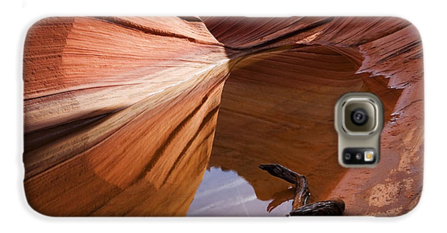 Wave Rock Galaxy S6 Case featuring the photograph Eye Of The Wave by Mike Dawson