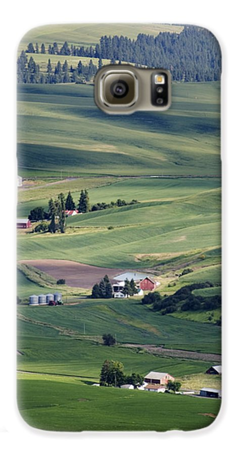 Fertile Galaxy S6 Case featuring the photograph Farmland In Eastern Washington State by Carl Purcell