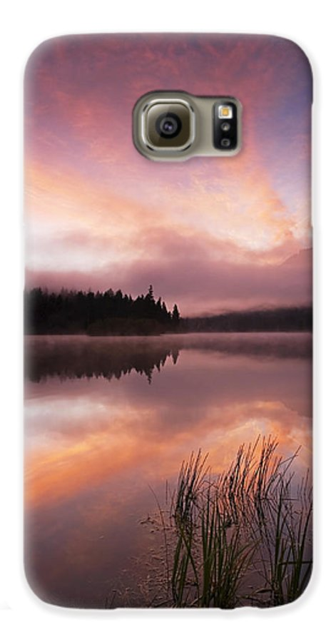Sunrise Galaxy S6 Case featuring the photograph Heavenly Skies by Mike Dawson
