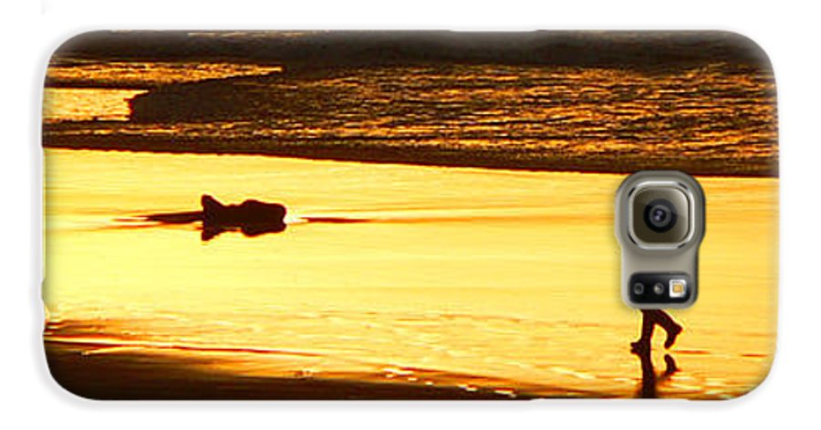 Pacific Ocean Galaxy S6 Case featuring the photograph Jog At Sunset by Larry Keahey