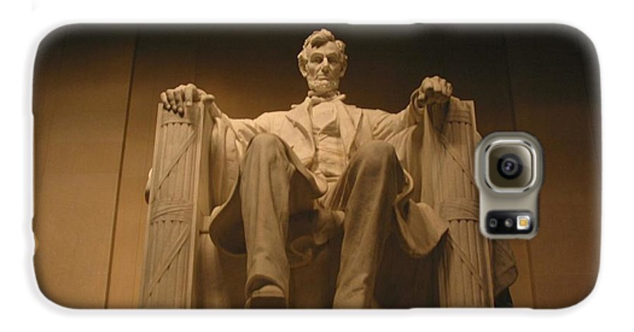 Abraham Lincoln Galaxy S6 Case featuring the photograph Lincoln Memorial by Brian McDunn