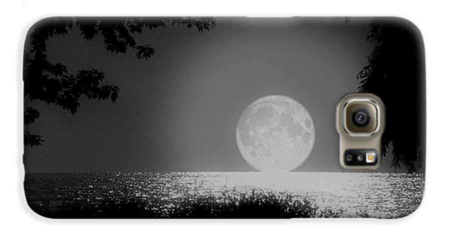 Moon Galaxy S6 Case featuring the photograph Moonset On Lake Erie by Kenneth Krolikowski