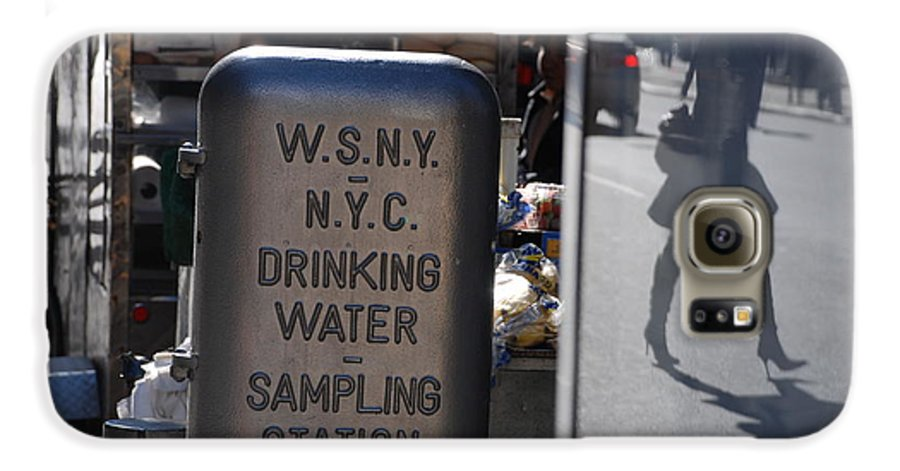 Street Scene Galaxy S6 Case featuring the photograph Nyc Drinking Water by Rob Hans