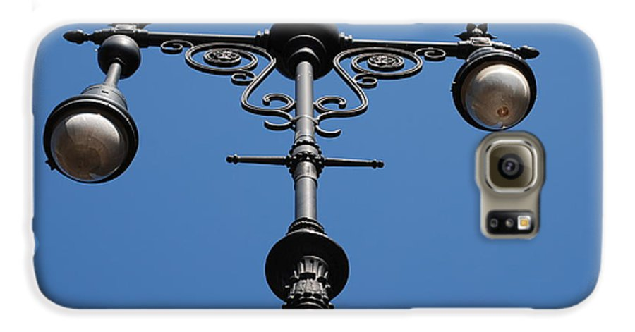 Lamppost Galaxy S6 Case featuring the photograph Old Lamppost by Rob Hans