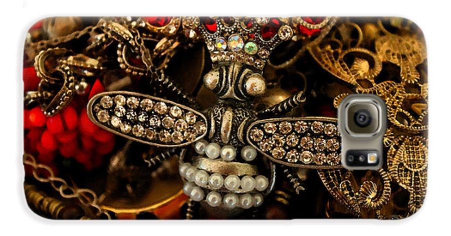 Susan Vineyard Galaxy S6 Case featuring the photograph Queen Bee by Susan Vineyard