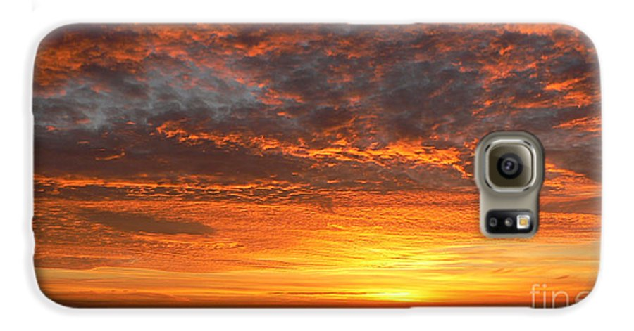 Northwest Galaxy S6 Case featuring the photograph Red Skies At Night by Larry Keahey
