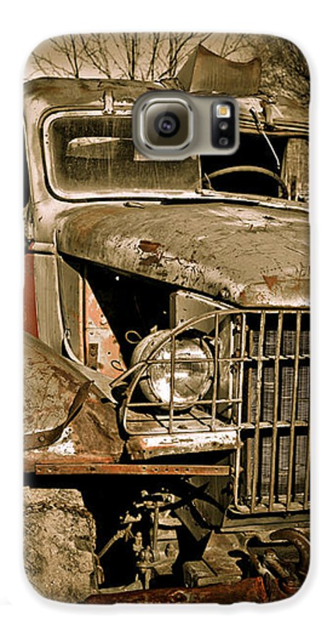 Old Vintage Antique Truck Worn Western Galaxy S6 Case featuring the photograph Seen Better Days by Marilyn Hunt