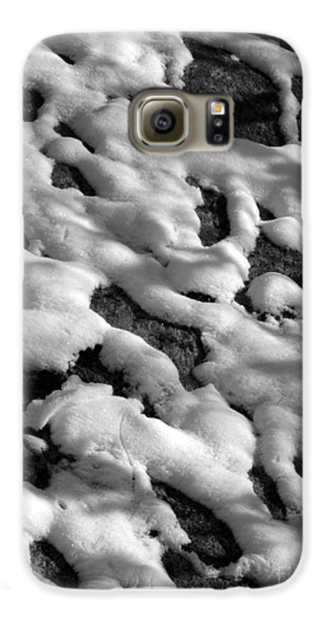 Black And White Galaxy S6 Case featuring the photograph Snow People by Chad Natti