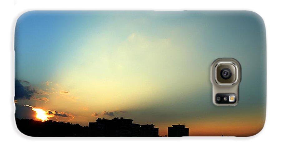 Nature Galaxy S6 Case featuring the photograph Spotlight by Daniel Csoka