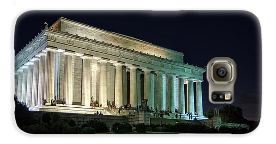 Lincoln Memorial Galaxy S6 Case featuring the photograph The Lincoln Memorial At Night by Greg Mimbs