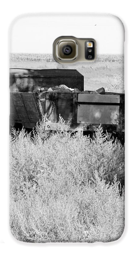Farm Galaxy S6 Case featuring the photograph Trash Truck by Margaret Fortunato