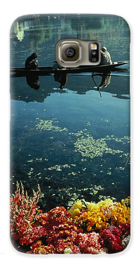 Boats Galaxy S6 Case featuring the photograph Vale Of Kashmir by Carl Purcell