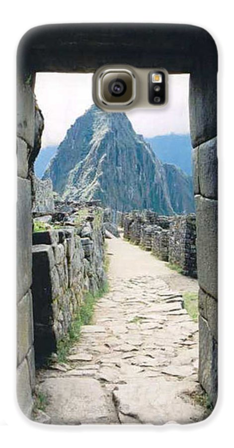 Peru Galaxy S6 Case featuring the photograph Winay Picchu by Kathy Schumann