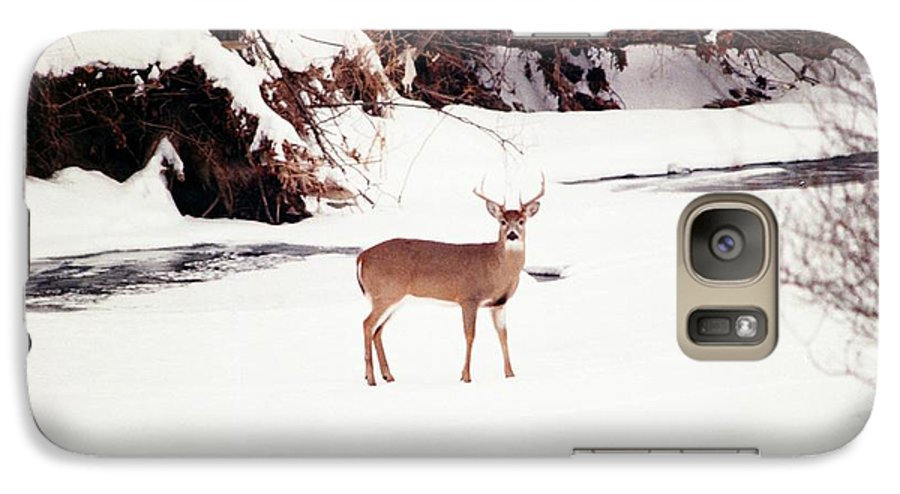 Whitetail Deer Galaxy S7 Case featuring the photograph 080706-89 by Mike Davis