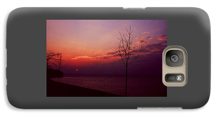 Sunset Galaxy S7 Case featuring the photograph 112601-20 by Mike Davis