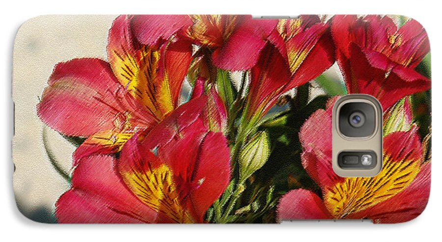Alstroemeria Galaxy S7 Case featuring the photograph Alstroemeria In Pastel by Suzanne Gaff