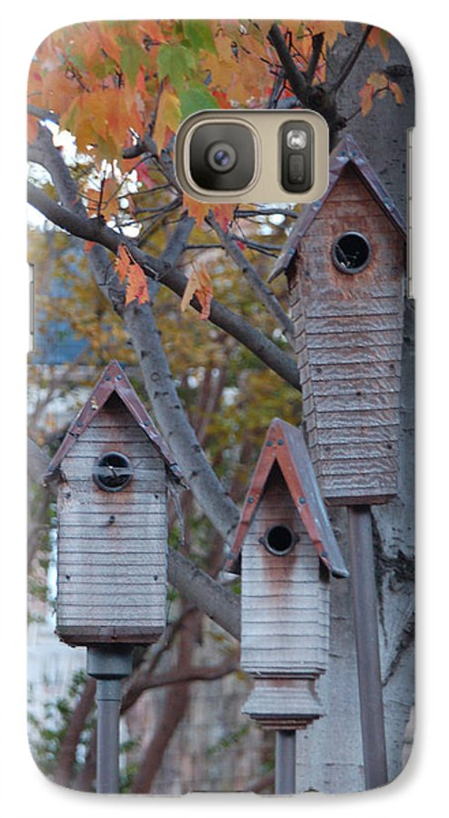 Birdhouse Galaxy S7 Case featuring the photograph Awaiting Spring by Suzanne Gaff