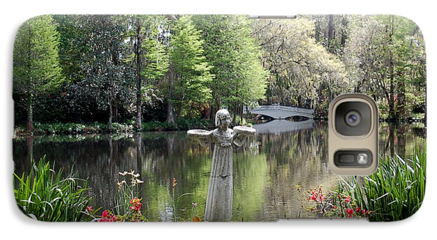 Bird Girl Galaxy S7 Case featuring the photograph Bird Girl Of Magnolia Plantation Gardens by Suzanne Gaff