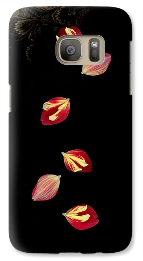 Petal Galaxy S7 Case featuring the photograph Falling by Suzanne Gaff