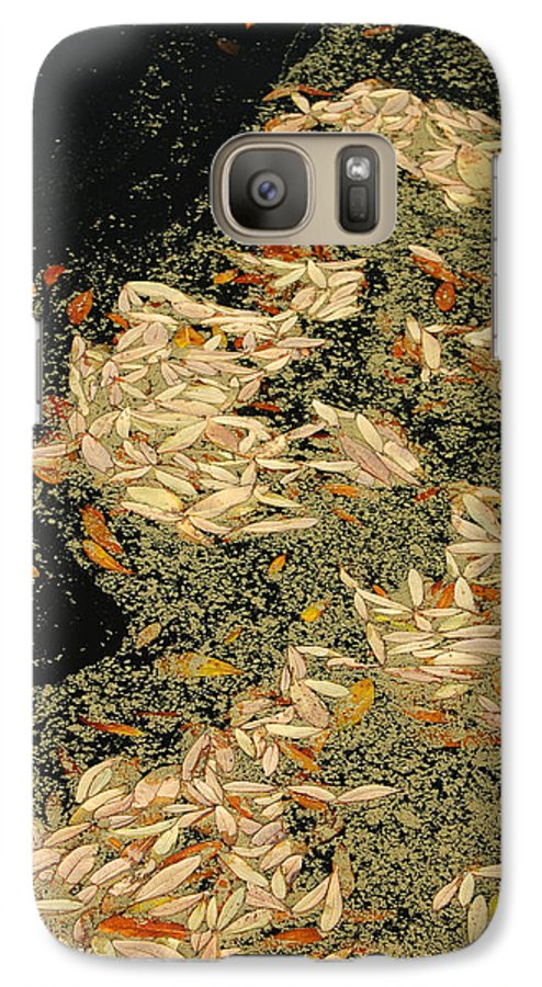 Klimt Galaxy S7 Case featuring the photograph Leaf Abstract Ode To Klimt by Suzanne Gaff