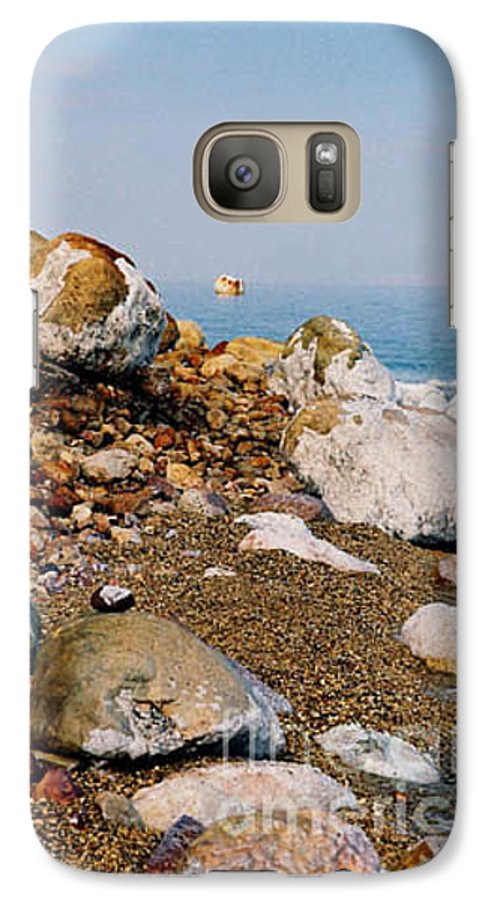 Dead Sea Galaxy S7 Case featuring the photograph Lot's Wife by Kathy McClure