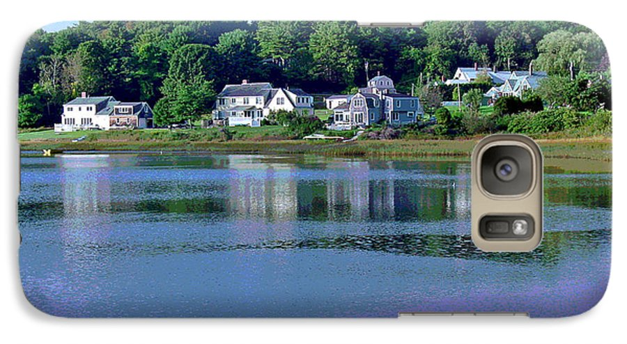 Maine Galaxy S7 Case featuring the photograph Maine Lakefront by Suzanne Gaff