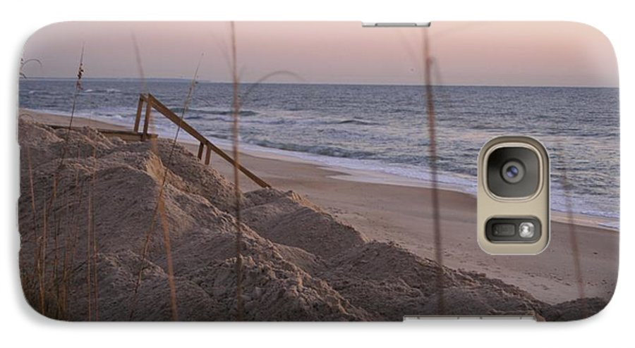 Pink Galaxy S7 Case featuring the photograph Pink Sunrise On The Beach by Nadine Rippelmeyer