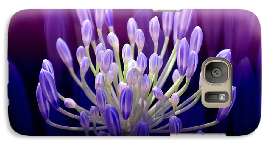 Agapanthus Galaxy S7 Case featuring the photograph Praise by Holly Kempe
