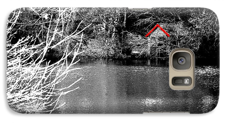 Black Galaxy S7 Case featuring the photograph Shed On The Lake by Christopher Rowlands