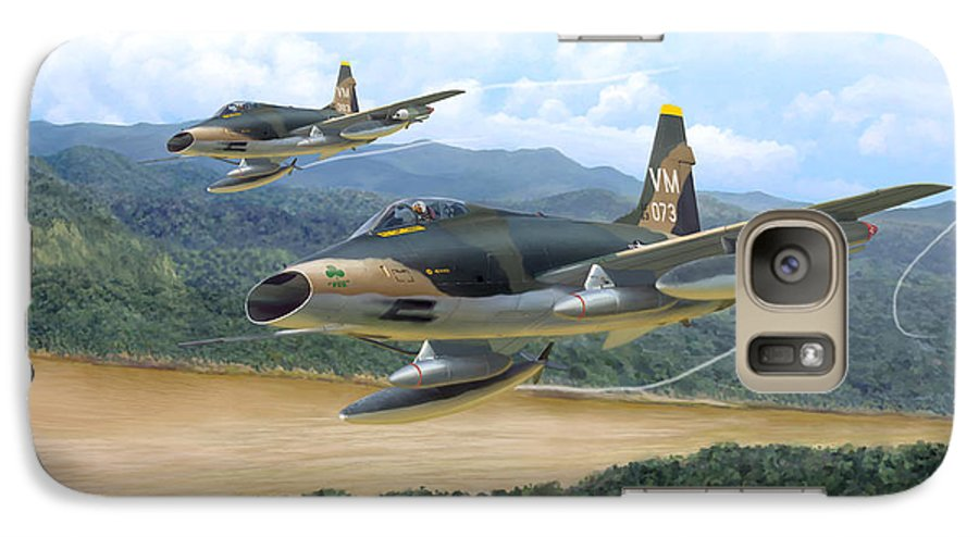 Aviation Galaxy S7 Case featuring the painting The Hun - F-100 Super Sabres In Vietnam by Mark Karvon