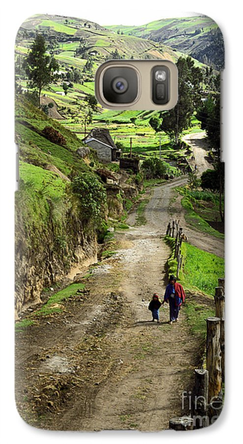 Ecuador Galaxy S7 Case featuring the photograph View Of Lupaxi by Kathy McClure