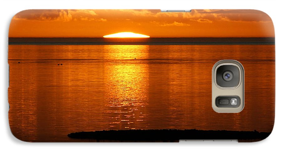 Sunset Galaxy S7 Case featuring the photograph Looking For The Green Flash by Debbie May