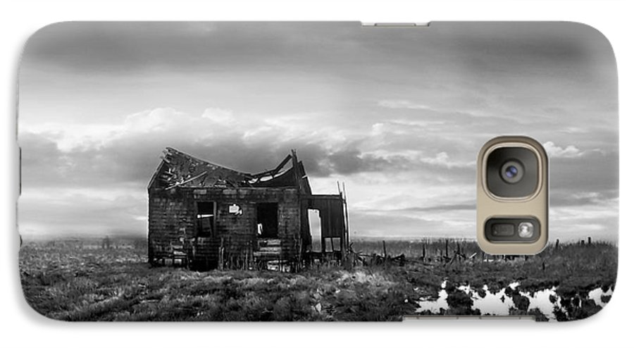 Architecture Galaxy S7 Case featuring the photograph The Shack by Dana DiPasquale