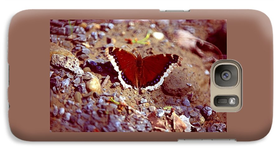 Butterfly Galaxy S7 Case featuring the photograph 113093-1 by Mike Davis