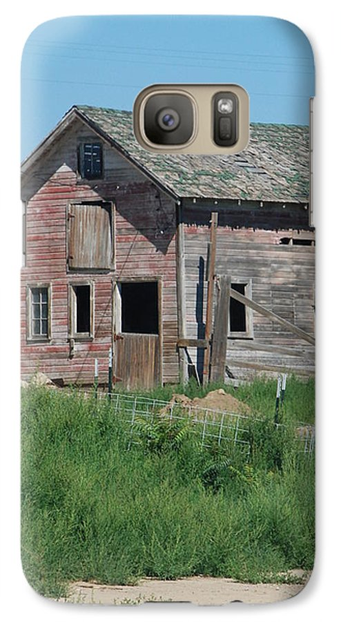 Farm Galaxy S7 Case featuring the photograph A Drive In The Country by Margaret Fortunato