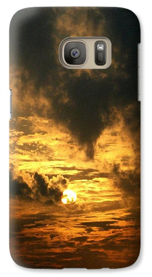 Daybreak Galaxy S7 Case featuring the photograph Alter Daybreak by Rhonda Barrett