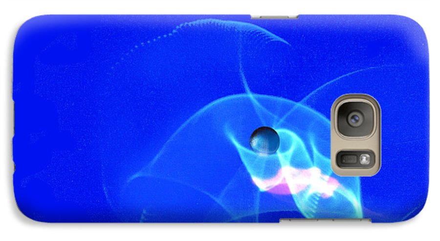 Abstract Galaxy S7 Case featuring the photograph Apparition Pearl by Steve Karol