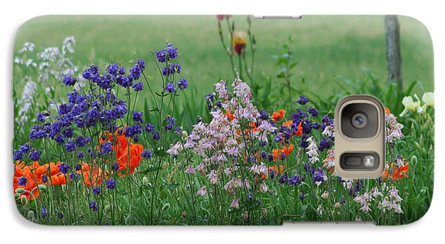 Dew Galaxy S7 Case featuring the photograph Tiny Miracles by Linda Murphy