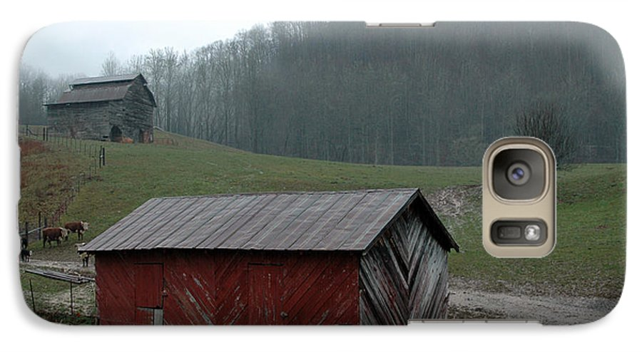 Barn Galaxy S7 Case featuring the photograph Barn At Stecoah by Kathy Schumann