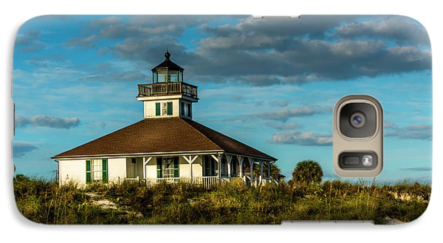 Lighthouse Galaxy S7 Case featuring the photograph Beach Lighthouse by Marvin Spates