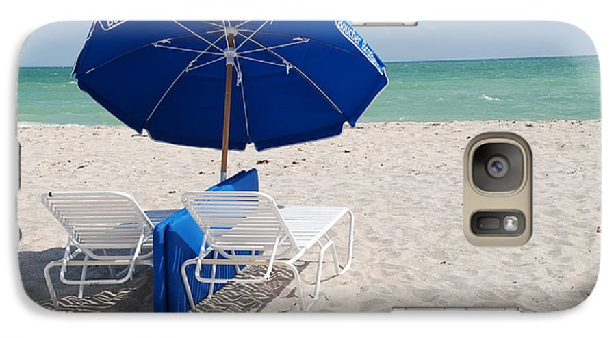 Sea Scape Galaxy S7 Case featuring the photograph Blue Paradise Umbrella by Rob Hans