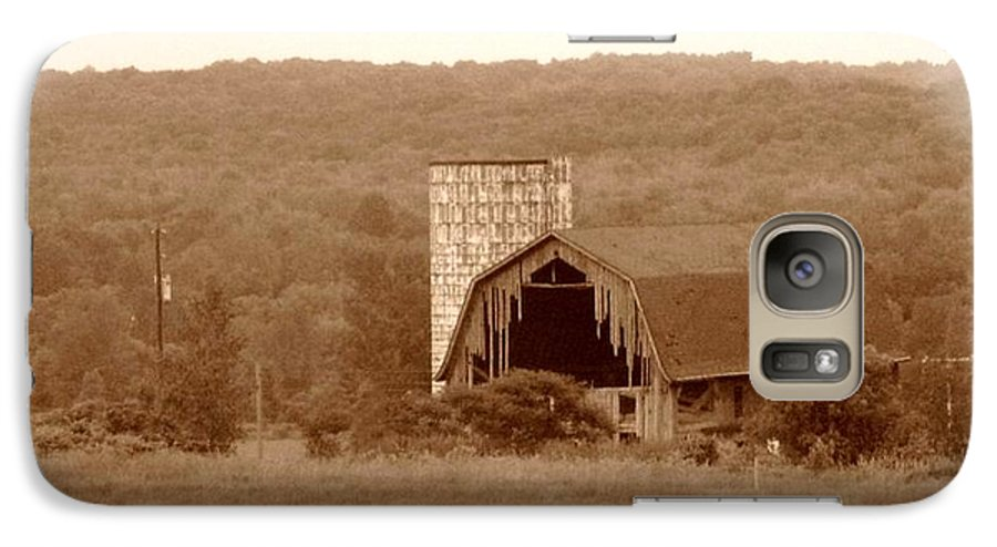 Barn Galaxy S7 Case featuring the photograph Broken by Rhonda Barrett